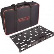 Dingbat Pedalboard Medium met PedalPower 4x4 voeding