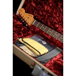 Fender Custom Shop 1962 Journeyman Relic Stratocaster Limited Edition 3-Tone Sunburst